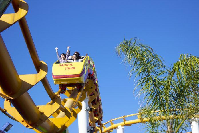 roller coaster 2475115 1920 Fan roller coasterów schudł dla nich 91 kg.